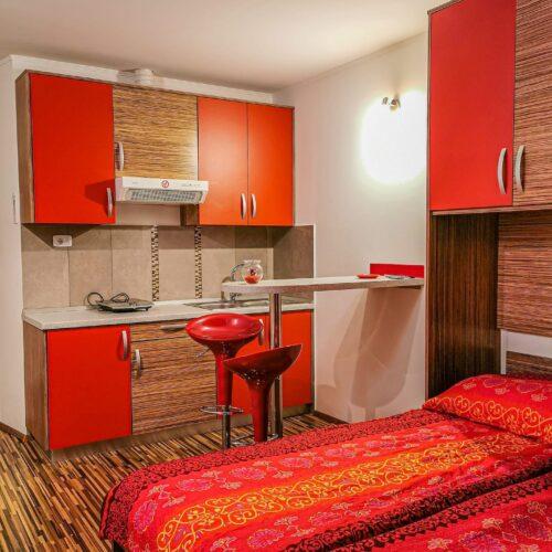 rdeci-apartma-2